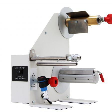 Dispensador LD-200-RS-SS usa un diseño del tipo «despegar y presentar» con soportes de núcleo de 38 mm que admiten todos los núcleos de entre 40 y 76 mm. Acero Inox.