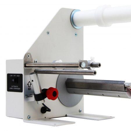 Dispensador LD-200-U-SS Despegar y presentar toda clase de etiquetas El diámetro externo de rollo es de 220 mm (265 mm con la opción AWB y 300 mm con la opción LD-DE). Acero Inox