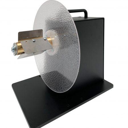 Desbobinador UCAT-S-MINI admite de serie rollos de hasta 220mm diámetro y soportes de núcleo de 76mm de hasta 125mm ancho.